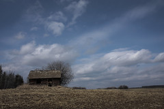 (dArLeNe M sTeWaRt) Tags: alberta prairies canada shack abandoned sky clouds blue