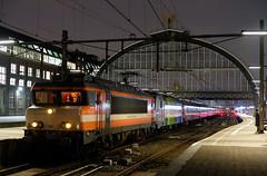 RXP 9901 & 186 295 met Alpen Express (Bjarne Kosmeijer) Tags: amsterdam alpen 186 centraal amsterdamcentraal netherlands train trein 1600 1700 1800 railexperts rxp alstom bombardier express landeck bischofshofen