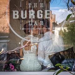 A kiss and a burger