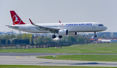 turkish airlines TC-LSE (K.D_aviation) Tags: boeing aviation airport airbus belgium brussels brussel sas flugdienst austrian iceland turkish klm cathay cityjet prague tui helvetic lufthansa leasing eurowings deutschland