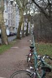bokeh 2@Düssel, Düsseldorf (Amselchen) Tags: bike bicycle street sidewalk footpath bokeh blur dof depthoffield canon düsseldorf germany season winter ef85mmf18usm canoneos6dmarkii