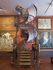 Atelier du peintre Gustave Moreau - Musée Gustave Moreau, 14 rue de La Rochefoucauld, Paris IXe (Yvette G.) Tags: peintre 1mois1thème escalier musée gustavemoreau atelierdartiste demeuredelesprit colimaçon