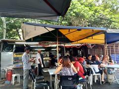 Local dinner with friends in Kuala Lumpur (Malaysia) (Loeffle) Tags: 112018 malaysia kualalumpur dinner streetfood hawker localfood malaysian