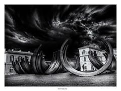 Alone in the park... (michel di Méglio) Tags: noiretblanc monochrom marseille silverefexpro streetart olympus cloud ciel nuages personnage zuiko bw park garden jardin men