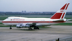 3B-NAJ (Ken Meegan) Tags: 3bnaj boeing747sp44 21132 airmauritius london heathrow 2411988 lhr boeing747sp boeing 747sp44 747sp b747sp b747sp44 zsspa