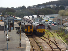 150247 & 66078 Par (Marky7890) Tags: gwr 150247 class150 sprinter 2n08 dbcargo 66078 class66 par railway cornwall cornishmainline train 6c53