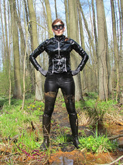 Lady in black (ween boots) Tags: lack mud wet rubber boots wam gummistiefel reitstiefel wellies rubberboots ridingboots