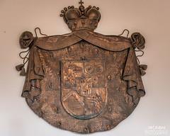 Höhlenburg Predjama (santasapina) Tags: wappen predjama schlosspredjama slowenien postojna si