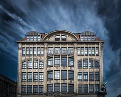 Haus der Seefahrt (Roger Armutat) Tags: hamburg kontorhaus hausderseefahrt gebäude wolken clouds fensterfront jugendstil denkmalschutz hammonia skulptur hammoniaskulptur 1910 baustil epoche sandstein sony sonya77