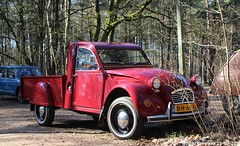 Citroën 2CV pick-up 1983 (XBXG) Tags: bh66vj citroën 2cv pickup 1983 citroën2cv 2pk eend geit deuche deudeuche 2cv6 pick up red rood rouge winterhoesmeeting 2019 huppel lupinestraat hechteleksel hechtel eksel limburg vlaanderen belgië belgique belgium vintage old classic french car auto automobile voiture ancienne française france vehicle outdoor