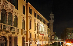 leaning bell tower (werner boehm *) Tags: wernerboehm venice nightshot leaningtower architecture building
