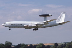 LX-N90453 Brize Norton 24-7-1986 (Plane Buddy) Tags: lxn90453 boeing e3 sentry nato aewf brize