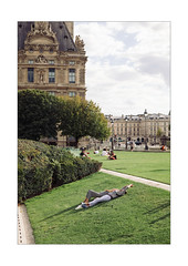 Garden Relaxation (Thomas Listl) Tags: thomaslistl color garden paris france people urban peaceful jardindestuileries green sunlight sun relax relaxation louvre clouds ngc