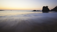 Sunrise Waves (magdaolson) Tags: mazunte mexico oaxaca pacific pacifico pacificocean oceanopacifico sunrise ola wave amanecer wideangle sand water sky arena cielo