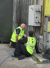 Lead Engineer Andy Wagstaff trying to resolve an electrical fault prior to the Visit the Vulcan Day, Southend Airport 17.06.18 (Trevor Bruford) Tags: vrt vulcan restoration trust xl426 southend airport avro nuclear bomber cold war plane jet aircraft airplane aviation raf tin triangle delta lady royal air force volunteer engineer