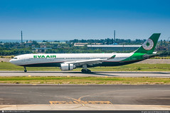 [TPE.2018] #Eva.Airways #BR #Airbus #A330 #B-16337 #awp (CHR / AeroWorldpictures Team) Tags: evaairways eva br taiwan airbus a330302 a330 a333 cn1767 1767 engines ge cf6 pax c30y279 b16337 history aircraft airplane plane fwwkr toulouse built pembroke taipei tpe airport asia airlines spoting planespotting nikon d300s nikkor raw aeroworldpictures awp 2018 lightroom rctp
