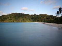 Inselbucht im indischen Ozean (jannik.rre) Tags: blaueswasser jungle strand beach langzeitbelichtung malaysia pulauredang indischerozean sea