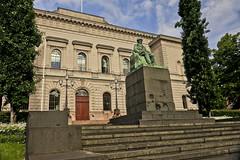 A9737HELSa (preacher43) Tags: helsinki finland building architecture sky clouds history johan vihelm snellman bank university statue