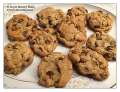 Chocolate Chip Cookies (Doyle Wesley Walls) Tags: lagniappe 9111 chocolatechipcookies dessert food china iphonephoto doylewesleywalls chocolate sweet