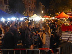 The crowds have gathered (seikinsou) Tags: brussels belgium bruxelles belgique autumn market place chasseursardennais crowd drink wine evening