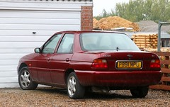 P991 MPU (Nivek.Old.Gold) Tags: 1997 ford escort 18 16v ghia x 4door perrys