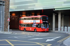 VWH2398 LK67ENE (PD3.) Tags: white city shepherds bush westfield london shops shopping centre bus buses station england uk metroline volvo wright vwh2398 vwh 2398 lk67ene lk67 ene