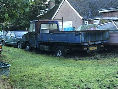 1980 freight rover Sherpa, and 1979 ford cortina mk4 (josh@mgmsolihull.co.uk) Tags: sherpavan sherpa freightrover freightroversherpa cortina ford fordcortina abandoned abandonedcars