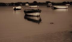 Boats... (hobbit68) Tags: canon boote boats barca wasser water espana espanol espagne flut andalucia andalusien atlantik meer ozean monochrom monochrome beach strand costa holiday urlaub sonne sommer summer