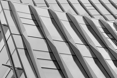 Building Abstract 225 (♫ marc_l'esperance) Tags: supermulticoatedtakumar85mmf18 vintage takumar vintagelens manualfocus manualexposure architecture detail abstract abstraction geometric lines shapes angles geometry minimal composition desaturated monochrome building modern design vancouver bc marclesperancephoto 2019 luxmaticcom 85mm
