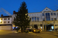 Tree Fellas (stevenbrandist) Tags: loughborough morning christmastree fell tree towncentre fordtransit