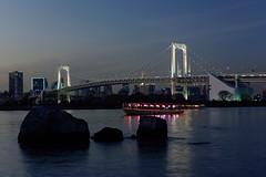 Rainbow Bridge (Matthias Harbers) Tags: nikon nikon1 nikon1v3 raw tokyo japan dxo photoshop topazlabs tokyobay rainbowbridge bridge bruecke water wasser city stadt town nikkor 10100mm v3 boat