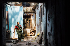 Woman With Broom in Alley, Varanasi India (AdamCohn) Tags: adam cohn ganga ganges india uttarpradesh varanasi streetphotographer streetphotography wwwadamcohncom adamcohn