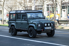 Greece (Livadeia) - Land Rover Defender (PrincepsLS) Tags: greece greek license plate bi livadeia germany berlin spotting land rover discovery