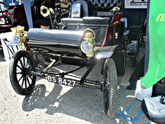 236 Oldsmobile Curved Dash (1904) (robertknight16) Tags: oldsmobile usa american 1900s curveddash chateauimpney bs8427