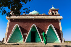 Sufi shrine, Al Jazirah, Abu Haraz, Sudan (Eric Lafforgue) Tags: abuharaz adultsonly africa arch architecture buildingexterior builtstructure cemetery colorimage cultures day death fulllenght grave islam khor men northsudan northernsudan onemanonly oneperson outdoors photography religion saharadesert shrine spirituality sudan sudan180166 sufi sufism tomb tranquilscene travel traveldestinations aljazirah sd
