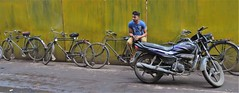 old delhi 2019 (gerben more) Tags: newdelhi delhi olddelhi man youngman motorcycle cycle bicycle bike green wall streetscene streetlife street