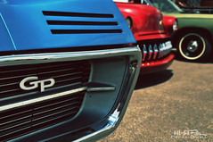 GP (Hi-Fi Fotos) Tags: 60s 1967 pontiac grandprix gp hidden headlight blue retro cool grille badge chrome logo vintage american classiccar detail carshow nikon d5000 dx hififotos hallewell