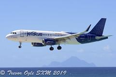 DSC_7716Pwm (T.O. Images) Tags: n709jb jetblue airbus a320 exede internet sxm st maarten princess juliana airport