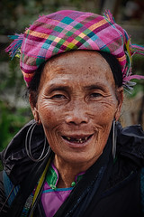 Street Portrait (Tommy K Le) Tags: streetphotography portrait people outdoor sapa vietnam asia fujifilmxt1 lady woman elder earings headwear flickrunitedaward