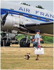 Boarding time. (Aerofossile2012) Tags: avion aircraft aviation meeting airshow laferté 2017 chien dog femme woman hotesse