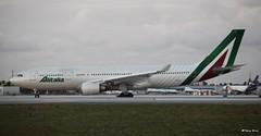 Airbus A330-202 (EI-EJI) Alitalia (Mountvic Holsteins) Tags: airbus eieji alitalia mia miami international airport a330202