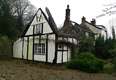 Dove Cottage - Whitegate. (Gerry Hat Trick) Tags: wednesdaywalk walking walk hiking hike cheshire whitegate way old disused railway northwich salt closed huawei p20 lite dove cottage fire burned thatch thatched gutted