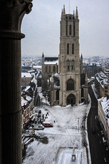 Sint-Baafs Cathedral, Ghent (Adrià Páez) Tags: st bavos cathedral ghent gent gand oostvlaanderen vlaanderen flanders eastflanders belgium belgie europe view architecture snow winter city sky clouds column gothic catholic christian religious historical sintbaafs canon eos 7d mark ii