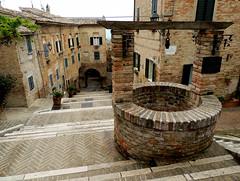 Corinaldo - 7 (antonella galardi) Tags: marche ancona corinaldo 2013 borgo scalinata borghipiùbelliditalia pozzo polenta