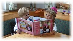 Schau mein Buch ! / Look at my book ! (ursula.valtiner) Tags: puppe doll luis bärbel künstlerpuppe masterpiecedoll fotobuch photobook
