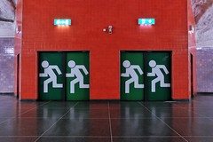 Universitetet (Douguerreotype) Tags: sverige door underground urban symmetry sweden stockholm tbana city architecture tube subway metro tunnelbana tunnel station