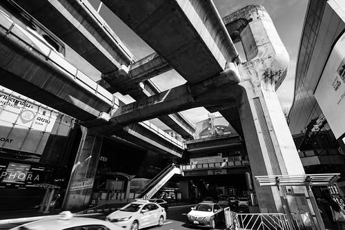 Massive elevated railroad