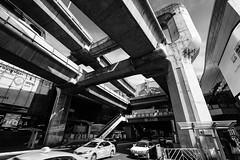 Massive elevated railroad (S. Ken) Tags: variotessart*fe1635mmf4zaoss sel1635z a7riii a7r3 7rm3 sony e general variotessartfe41635 carlzeiss ソニー variotessar16354za bangkok siam railroad thailand cars タイ バンコク