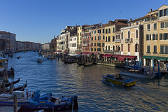 Grand Canal near the Rialto Bridge.Гранд Канал у моста Риальто. (atardecer2018) Tags: венеция италия 2018 city venice italy water winter architecture arquitectura архитектура