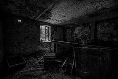 Abandoned farm (lortopalt) Tags: abandoned övergiven farm lantgård svartvitt bw nikon